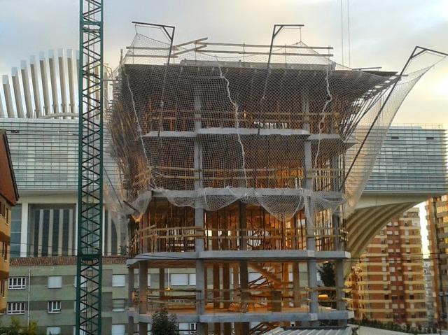 Edificio Entrepasajes en construcción